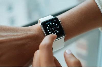apple smart watch on wrist