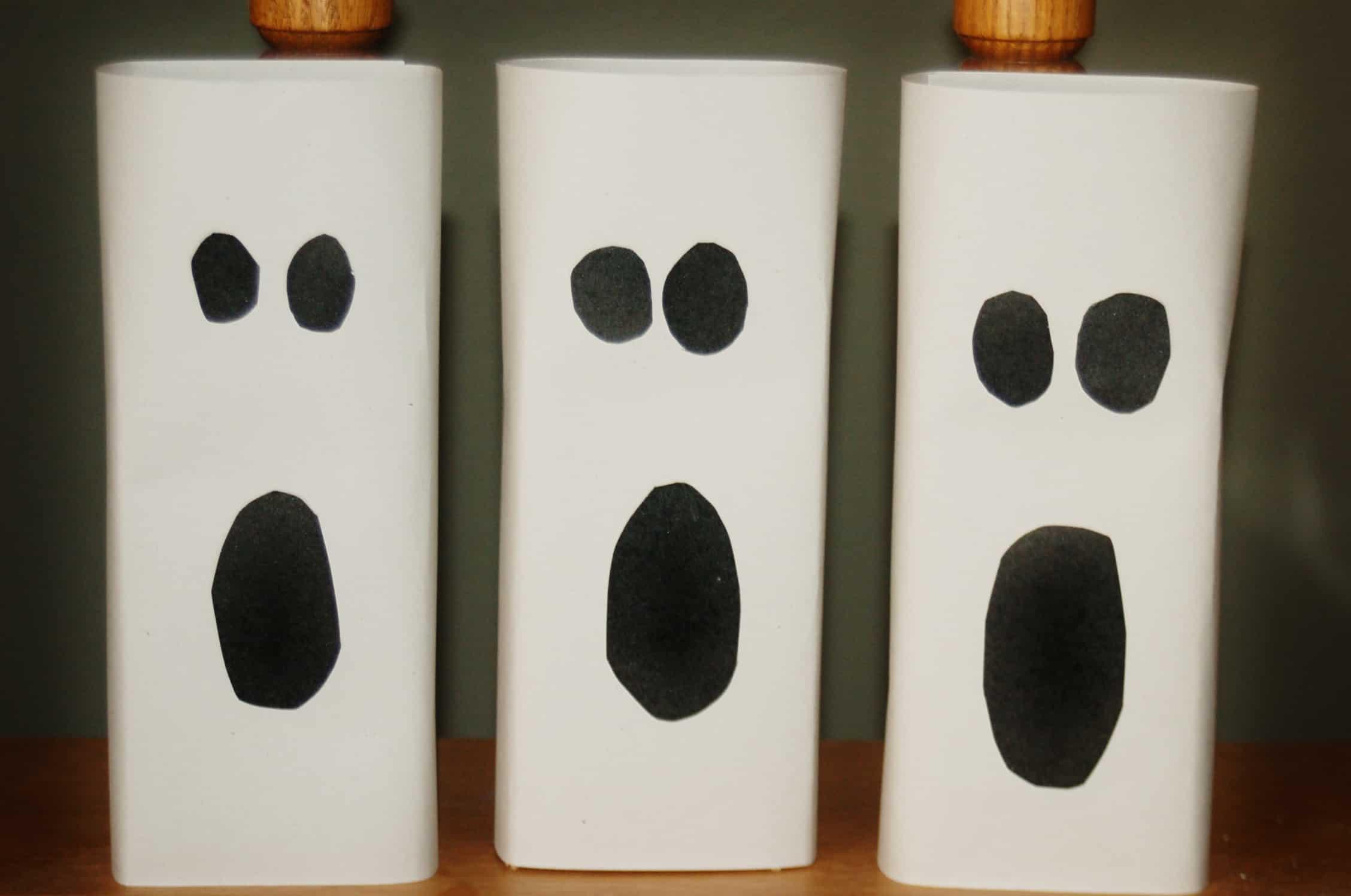Easy Halloween Ghost Home Decor - Surviving A Teacher\'s Salary