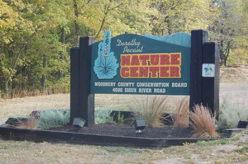 dorothy pecaut nature center stone state park iowa