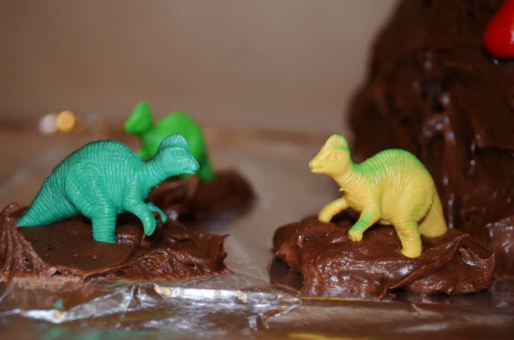 dinosaurs on a chocolate volcano cake tutorial