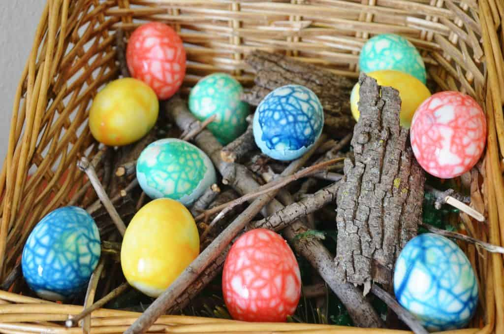 Dyed Crackle Colorful Easter & Dinosaur Eggs Nest
