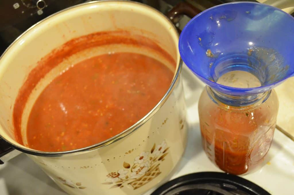 DIY Homemade Spaghetti Sauce Canning Recipe
