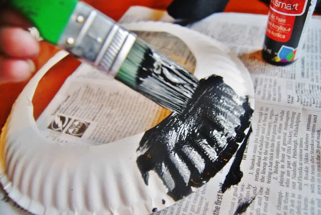black paint on white paper plate craft