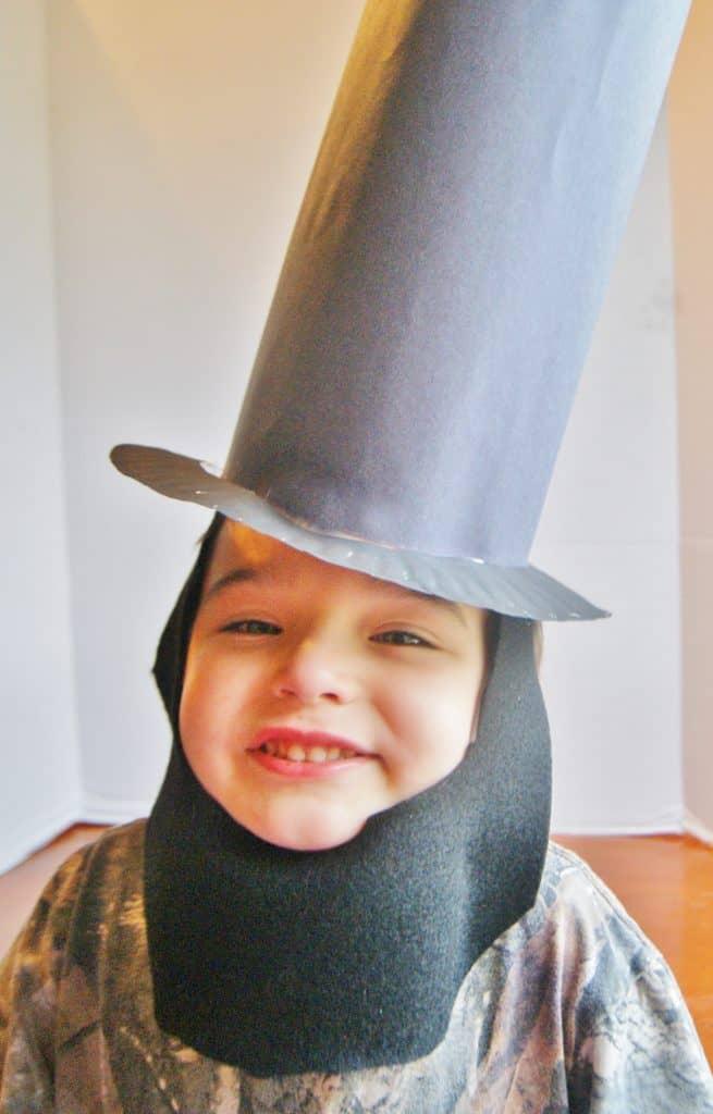 little boys dressed in paper diy Abraham Lincoln costume  sc 1 st  Surviving A Teacheru0027s Salary & I Am Abraham Lincoln
