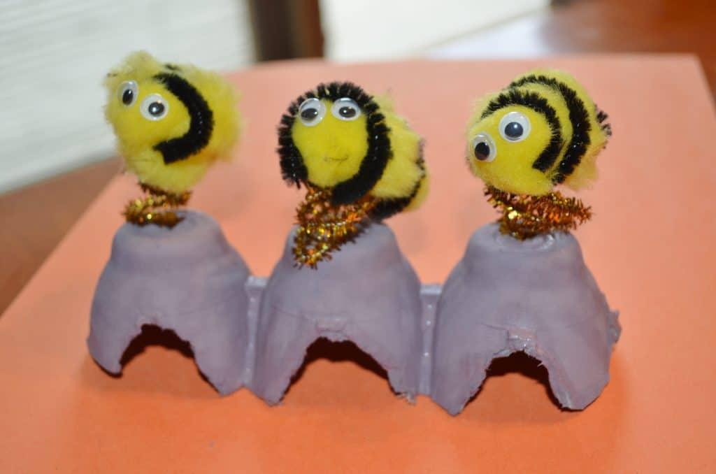 bee pom pom kid's craft