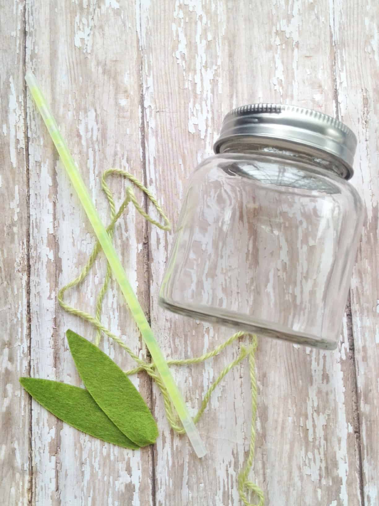 DIY Fireflies in a Jar Craft for Kids