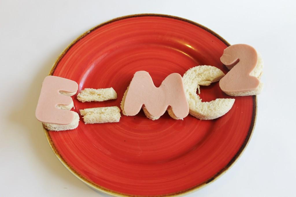 einstein e=mc2 lunch snack idea for kids