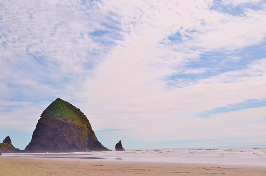 Haystack rock Oregon - Afford ANY Vacation Travel