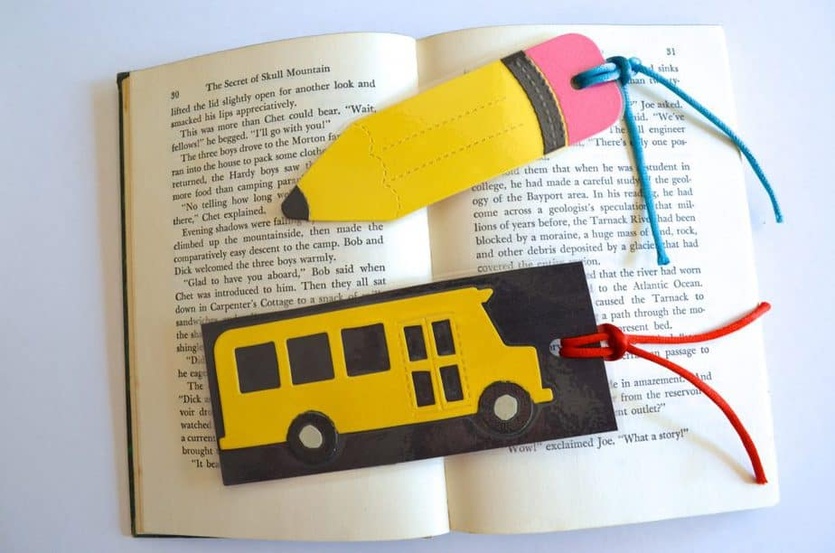 Bookmark Back to School Bus & Pencil Bookmark Tutorial