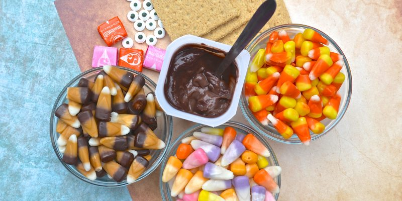Candy Corn Thanksgiving Turkey Kid's Snack Recipe