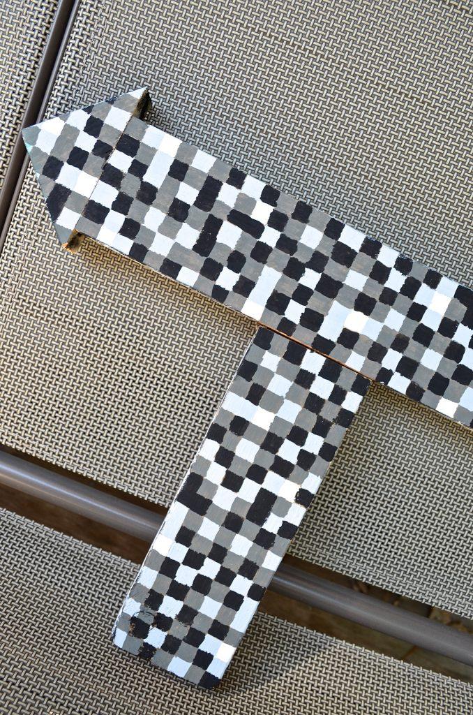 Simple Creative DIY Kid's Wall Decor - Minecraft Themed Arrow