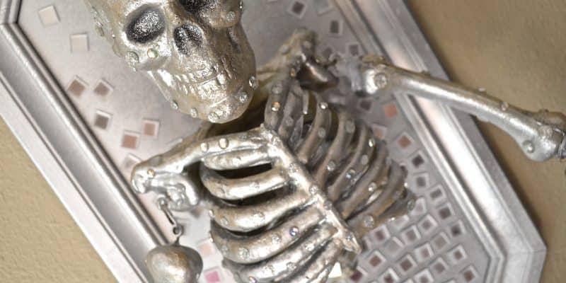 DIY Skeleton Wall Decor Halloween Prop