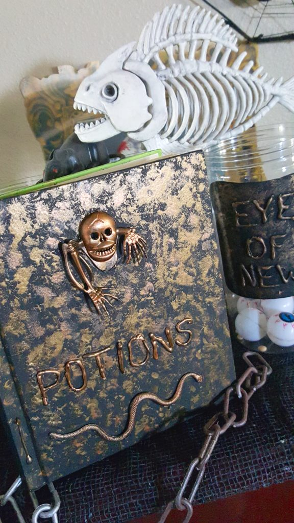 DIY Potions Book Tutorial - Halloween or Harry Potter Decor