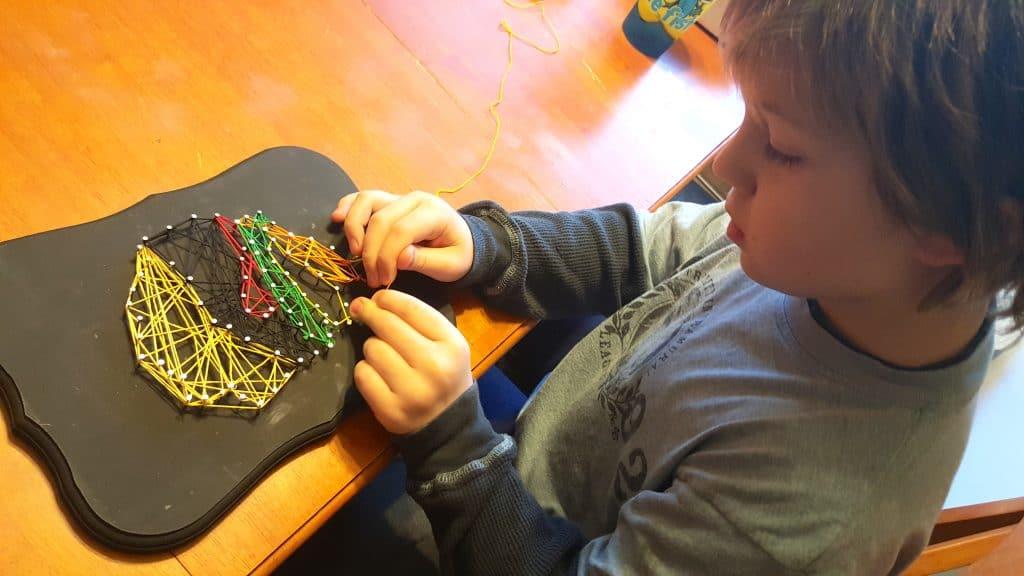 DIY Sports Team String Art Craft - Chicago Blackhawks