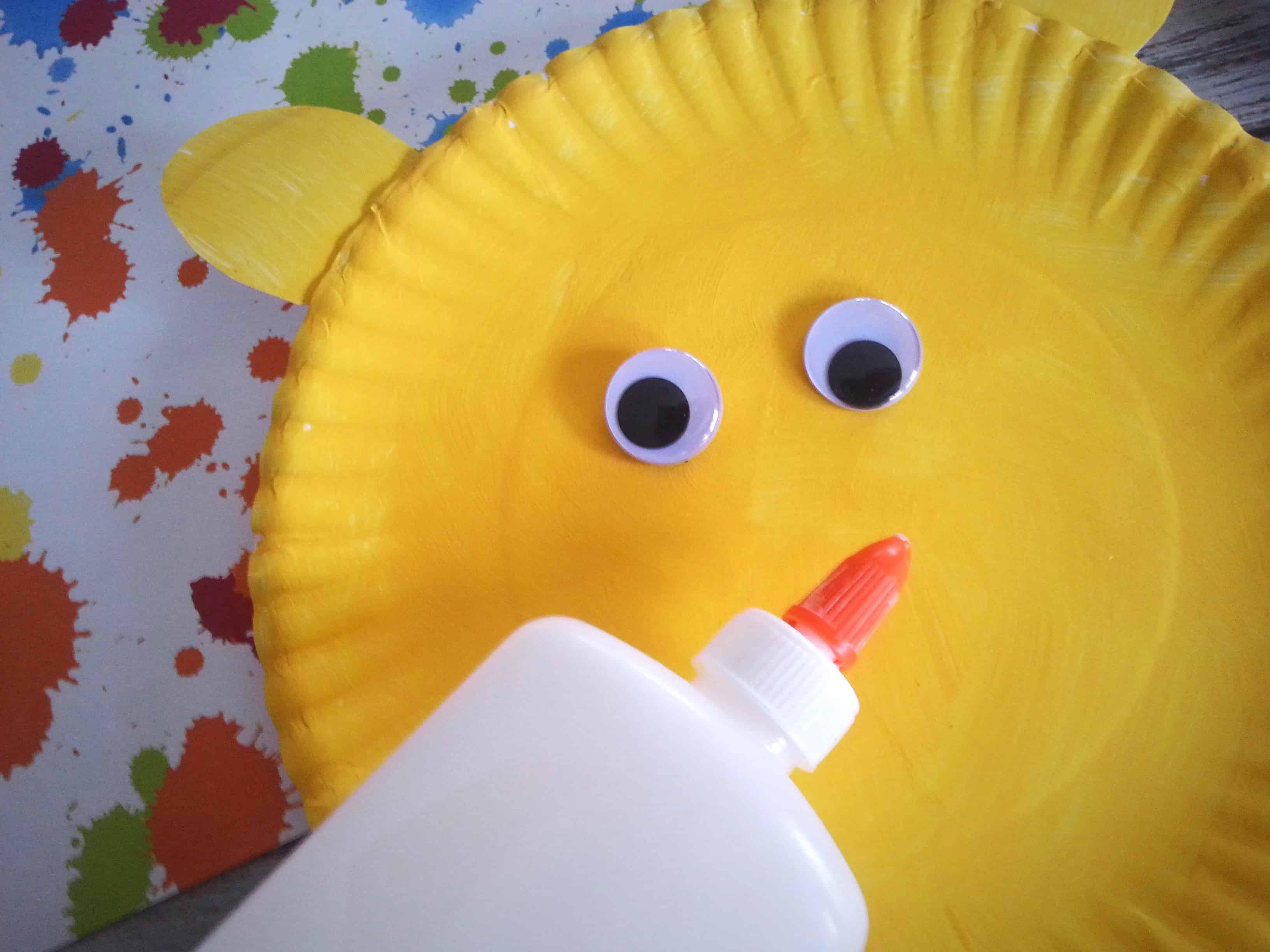 & Put Me in the Zoo Paper Plate Children\u0027s Book Craft