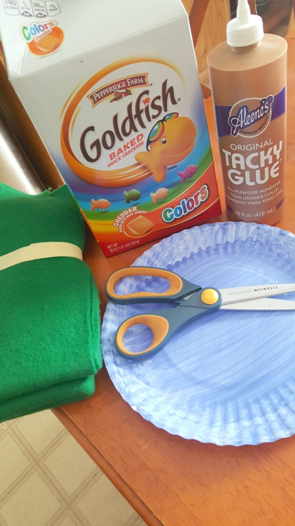 materials for under the sea paper plate craft