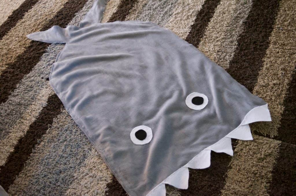 Make Your Own NO SEW Shark Blanket Tutorial