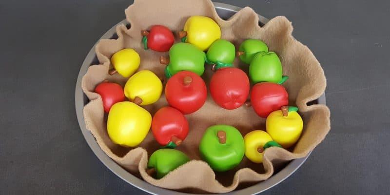 No Sew Felt Apple Pie Preschool Pretend Play: Math & Johnny Appleseed