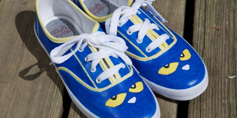 DIY Pete the Cat Shoes Tutorial – Children's Book Fashion