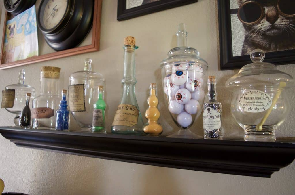simple potion jars for halloween or Harry Potter