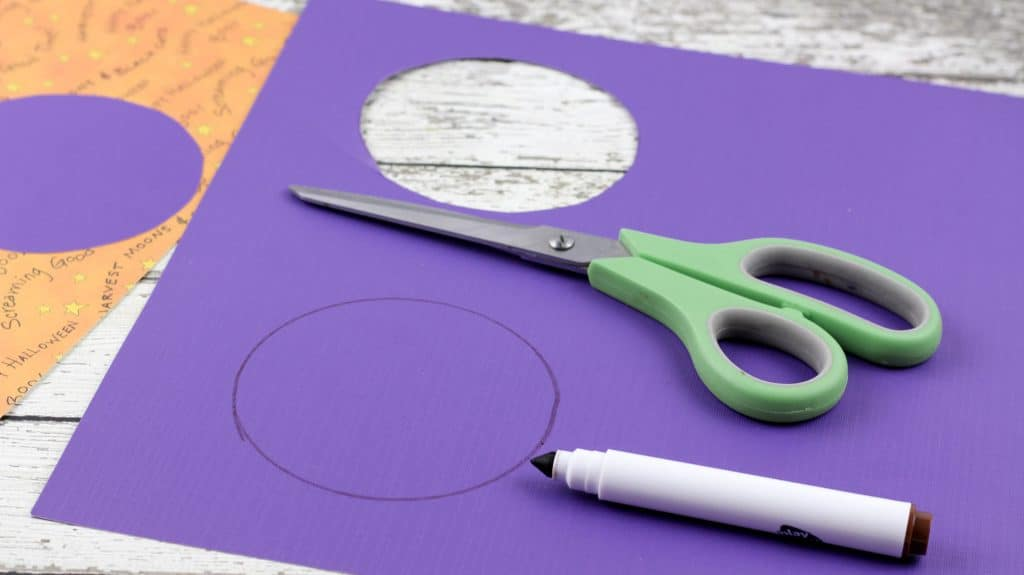 Easy Monster Eyes Paper Plate Craft Cut out Circles