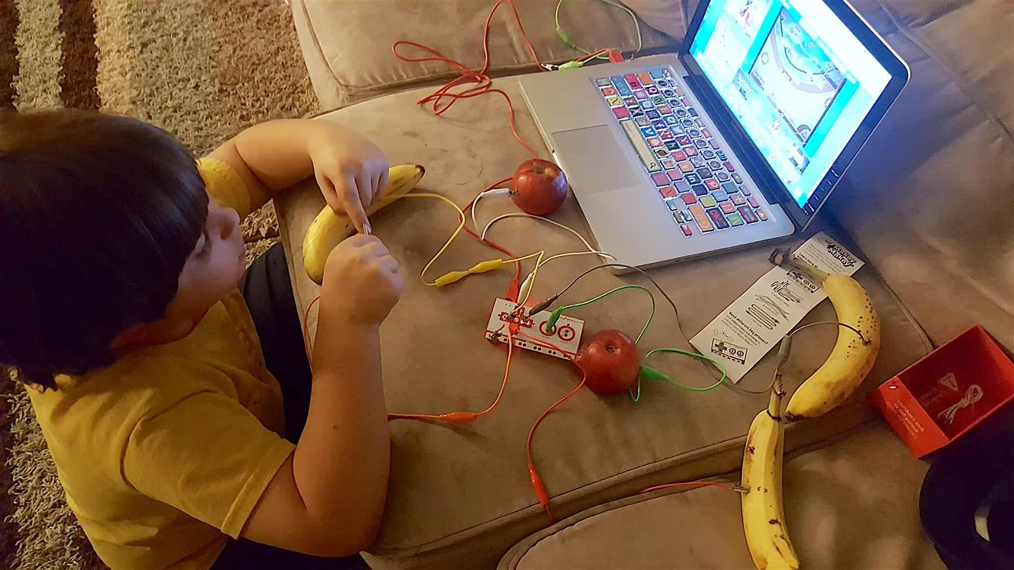 Makey Makey STEM Kid's Engineering Kit Review