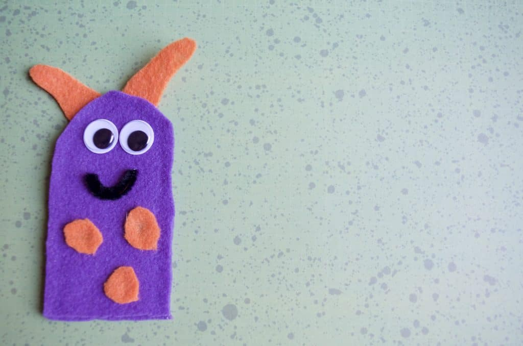 Friendly Monster No Sew Felt Finger Puppets Tutorial