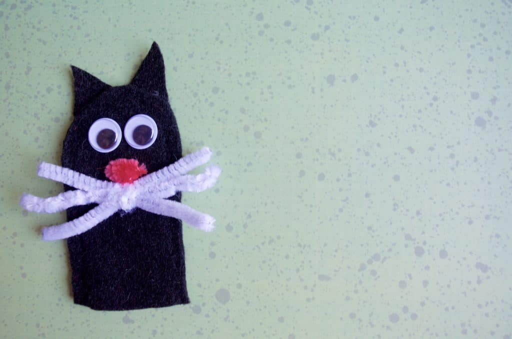 Black Cat No Sew Felt Finger Puppets Tutorial