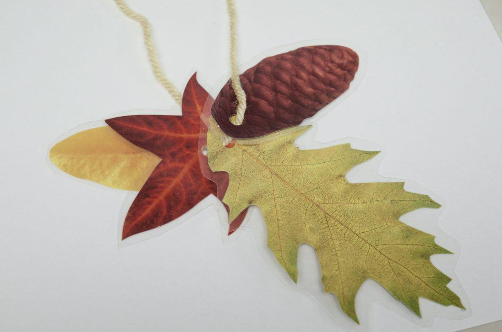 10 Fall Activities & Nature Crafts for Kids Using Leaves & Sticks
