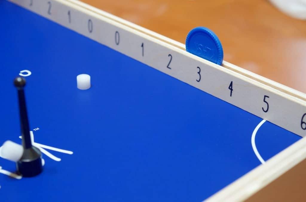 up close Klask game score system