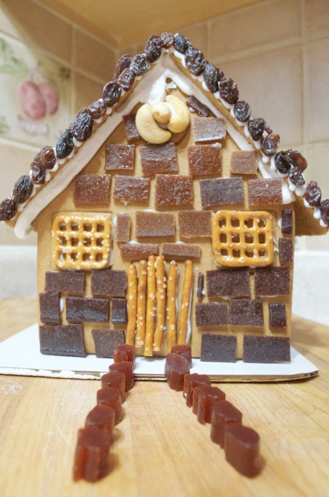 Delicious Candy Alternatives to Decorate Your Gingerbread House