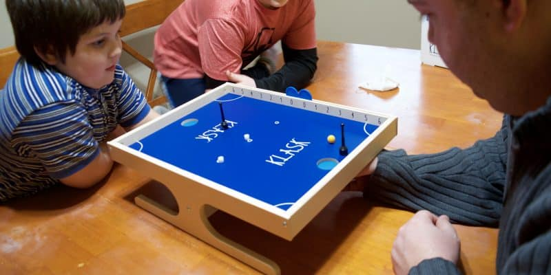 THE Ultimate Party Game – Klask Epic Magnetic Battle Game Review