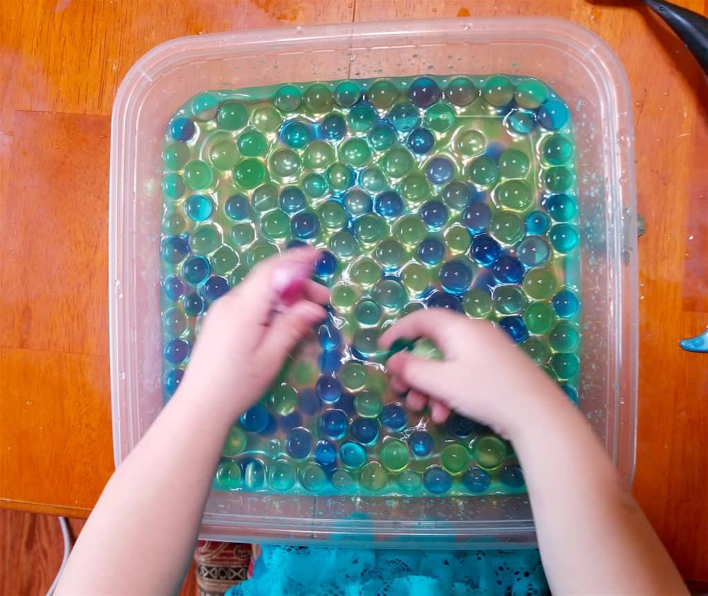 Wetlands Water Play with Ellie the Explorer: Water Sensory Bins
