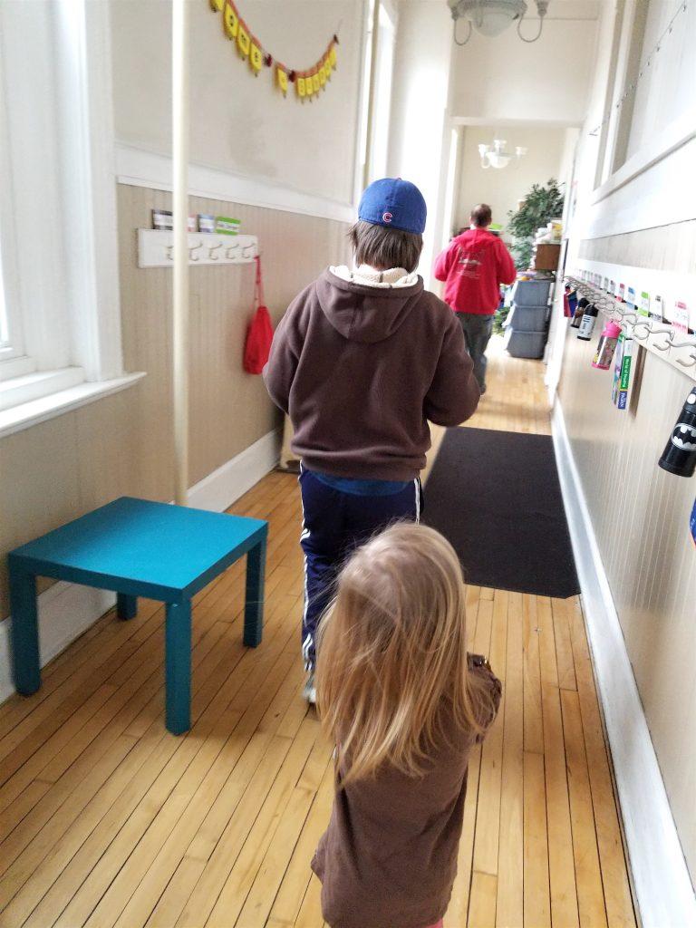 kids in school hallway