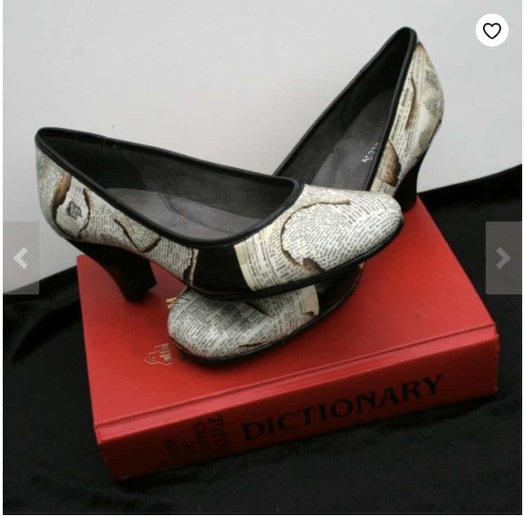 dictionary shoes