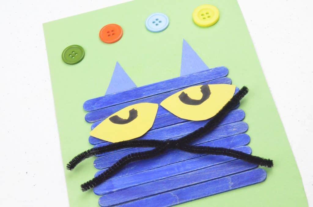Pete the Cat Face with Craft Sticks