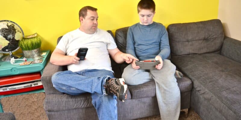 dad and son tablets