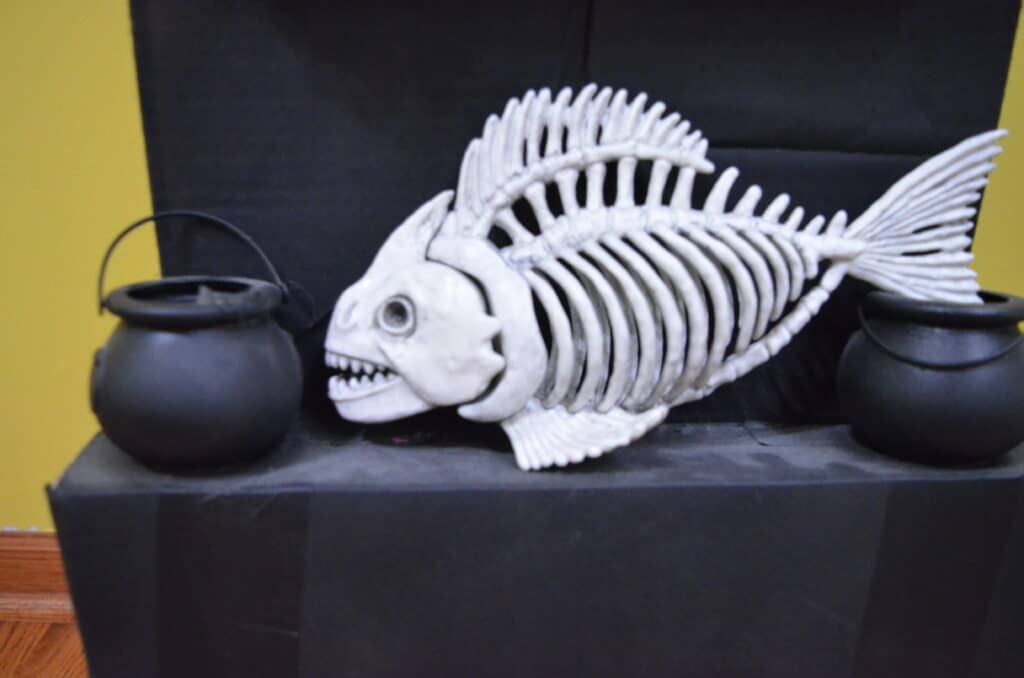 fish skeleton halloween decor