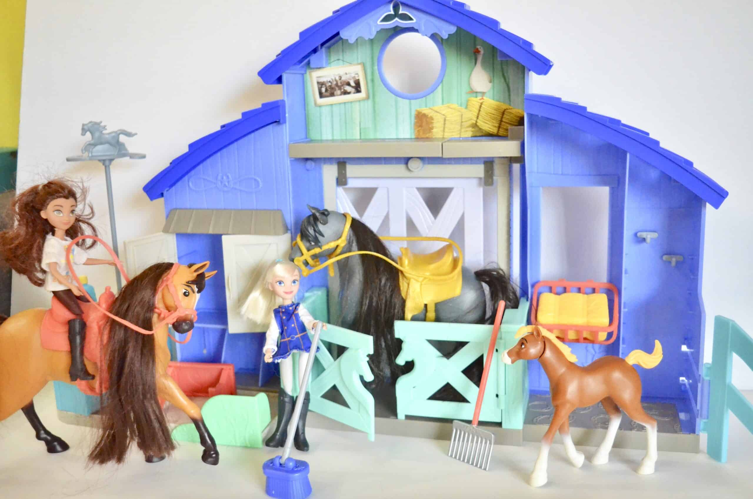 Spirit horse stable and dolls toys