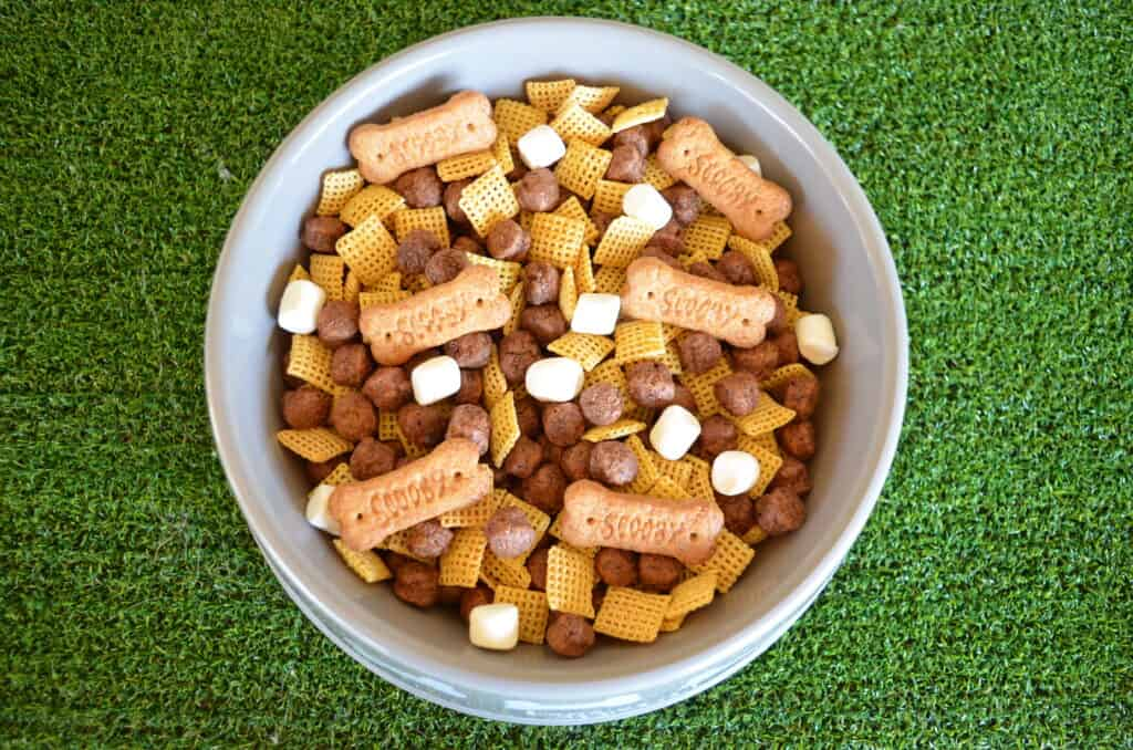 snack mix puppy chow