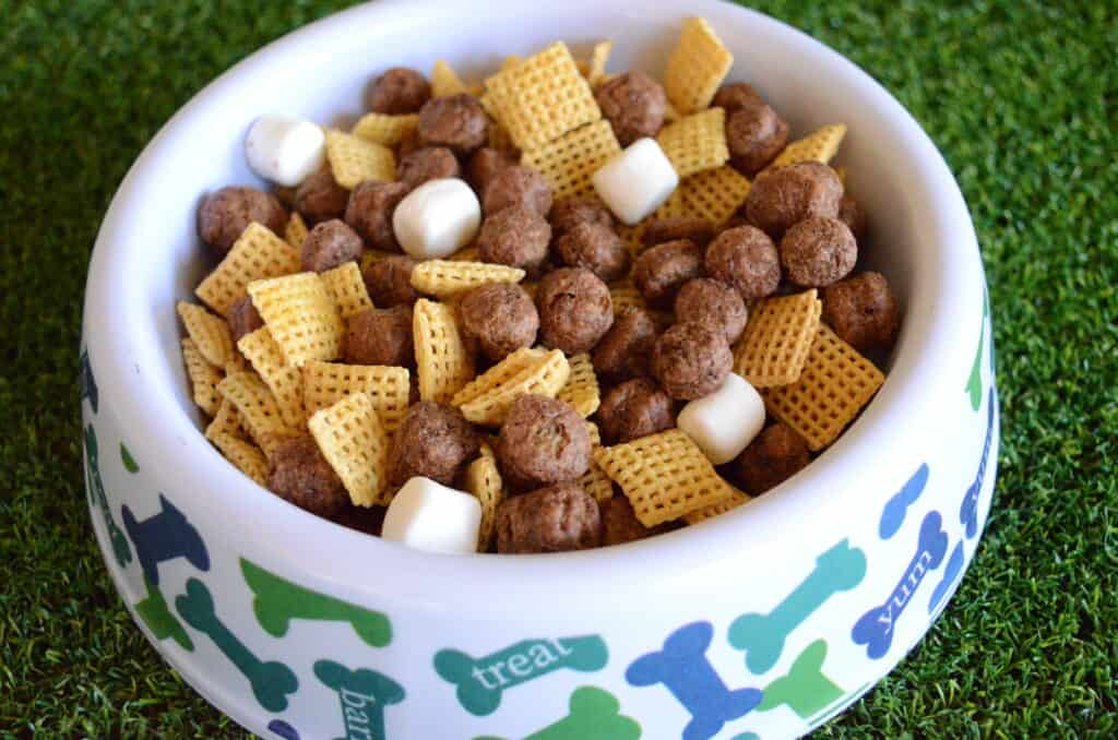 dog bowl puppy chow snack mix